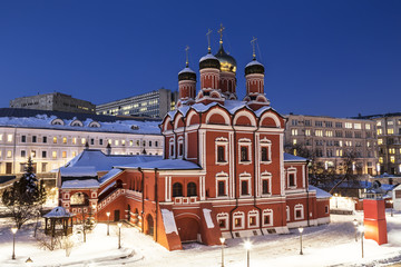 """Moscow. Cathedral of the icon of the Mother of God """"Sign"""" of the former Znamensky monastery. Varvarka street in the evening, Zaryadye district. Russia"""