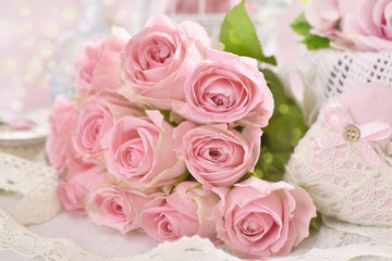romantic pink roses bouquet in shabby chic style