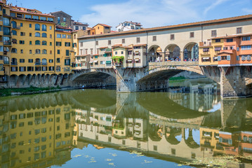 Wall Mural - Ponte Vecchio over Arno river in Florence, Tuscany, Italy