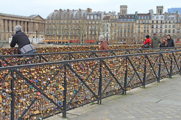 Paris, cadenas de l'amour