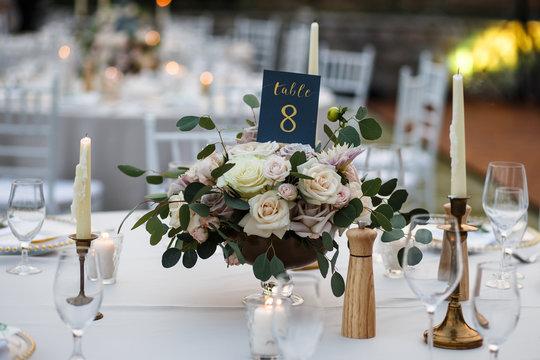 wedding bouquet table decor