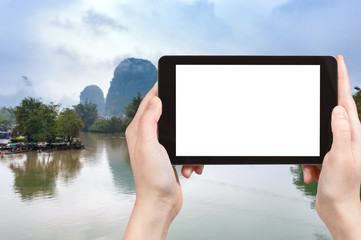 tourist photographs Yulong and Jinbao rivers