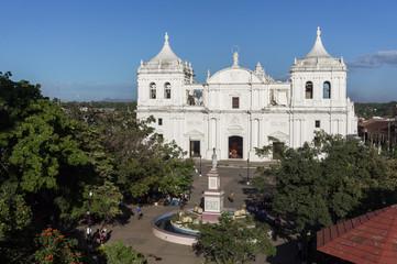 Cathédrale et parc central de León, Nicaragua