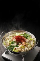もつ鍋 Motsunabe. Giblets cooked in a hot pot