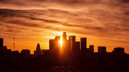Klistermärke - Los Angeles city skyline, sunset to night transition. 4K UHD Timelapse.