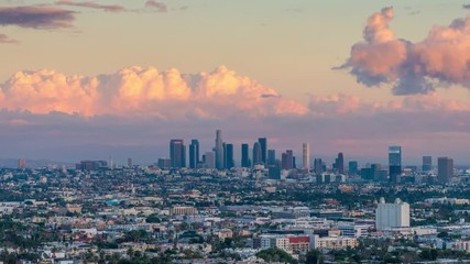 Klistermärke - Zoom in downtown city Los Angeles skyline sunset to night. 4K UHD Timelapse