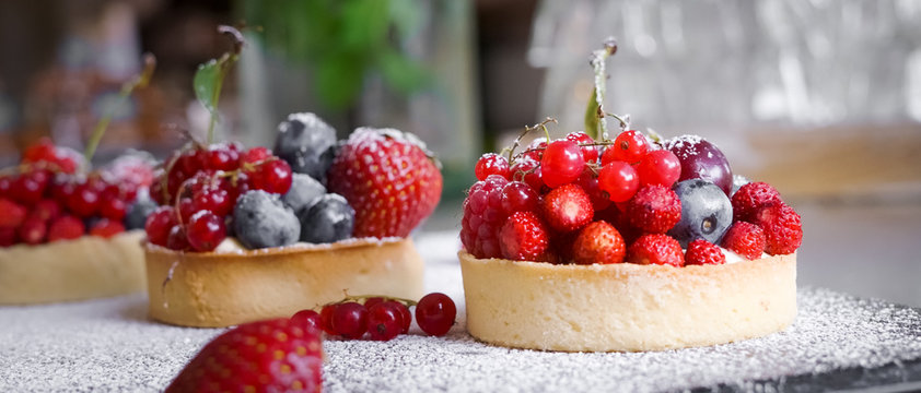 Berry Tart  - French Pastry Cakes redcurrant blueberry strawberries