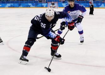 Olympics: Ice Hockey-Men Team Group B - USA-SVK
