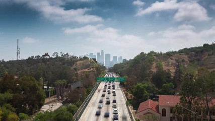 Fototapete - Freeway road to downtown Los Angeles, Daytime. 4K UHD Timelapse.