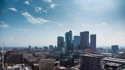 Fototapete Beautiful day at downtown Los Angeles. Aerial view of city. 4K UHD timalapse.