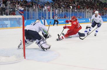Olympics: Ice Hockey-Men Team Group B - RUS-SLO