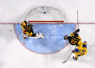 Olympics: Ice Hockey-Men Team Group C - SWE-GER