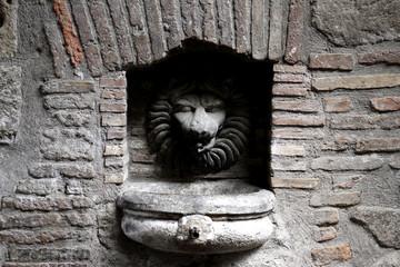 scultura con fontana