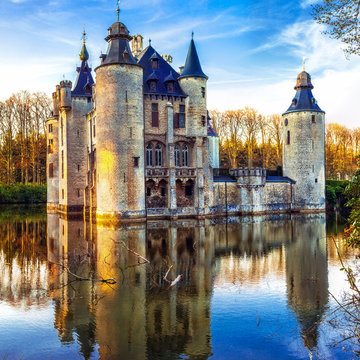 Castles of Belgium - mysterious fairytale Vorselaar castle