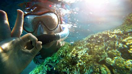 Wall Mural - girl under water