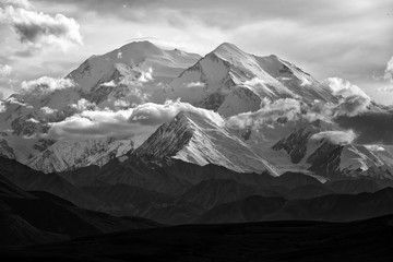 Glaciers & snow fields on Denali;  Denali National Park;  Alaska