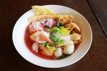 Yen Ta Fo, Pink noodle soup in Thailand.