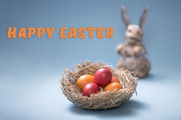 Osternest mit Eiern und Osterhase