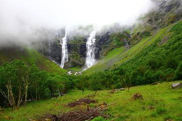 Doppelter Wasserfall