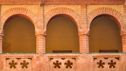 Spoed Fotobehang Monument Claustro mudéjar del Monasterio de San Isidoro del Campo, Santiponce, Sevilla, España