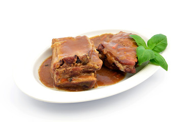 żeberka wieprzowe z sosem