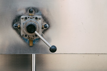 Control levers on machine valves