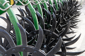 Elements of agricultural tillage machines and mechanisms
