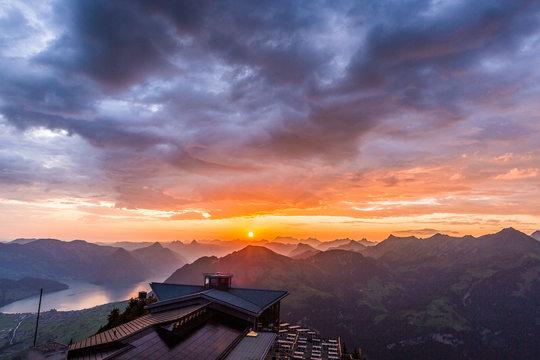 Sonnenaufgang in der Schweiz