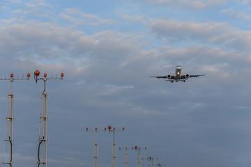 アプローチライト Approach light 飛行機あり