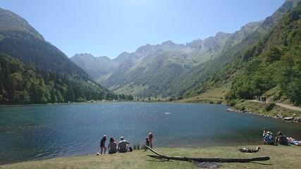lac montagne paysage nature balade randonnée