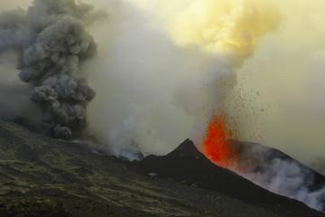Etna, Fontana di lava