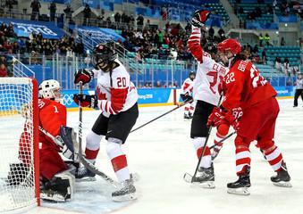 Olympics: Ice Hockey-Women Team Semifinal - CAN-OAR