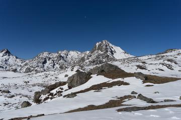 Mountain Himalata Summit in Nepal