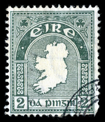Vintage 1922 green map of the Republic of Ireland (Eire) cancelled postage stamp