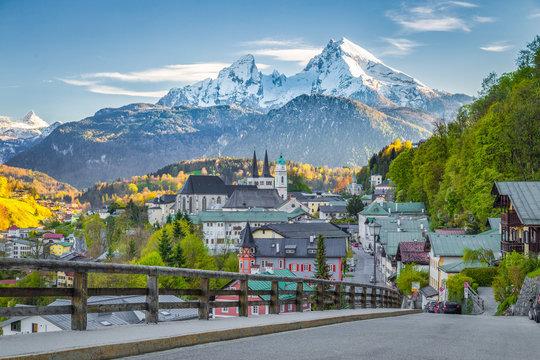 Historic town of Berchtesgaden with Watzmann at sunset in springtime, Berchtesgadener Land, Upper Bavaria, Germany