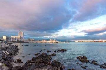 An der Hafenbucht von Ponta Delgada Azoren