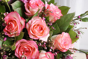 roses bouquet flowers background
