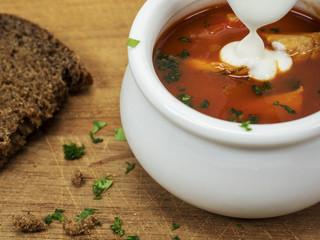 Suppentasse mit Borscht