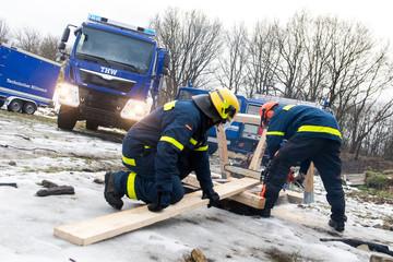 Einsatzkräfte des THW - Bundesanstalt Technisches Hilfswerk