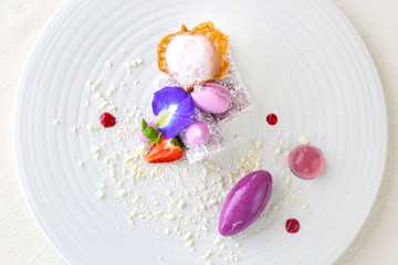Photo sur Plexiglas Dessert Elegant dessert in plate, molecular gastronomy, haute couture dessert