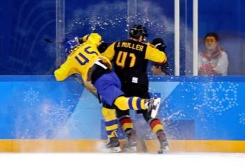 Olympics: Ice Hockey-Men Team Quarterfinal - SWE-GER