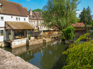 River L´Eure with trees and houses in the old town of Chartres in France