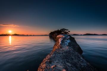 朝日の松島(馬の背)