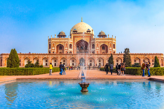 The first garden-tombon the Indian subcontinent, thisis thefinal resting place of the Mughal EmperorHumayun. The Tombis an excellent example of Persian architecture. Located in the Delhi, India.