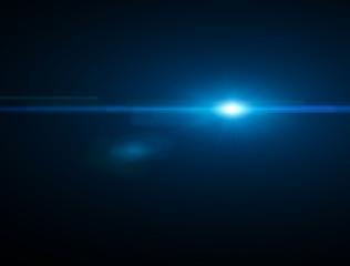 Luce, raggio di sole luminoso nello spazio. Bagliore stella. Luce blu