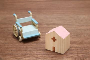 病院と車椅子
