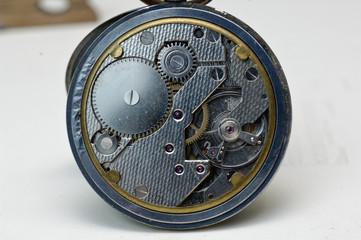 Be Beryllium ressort montre