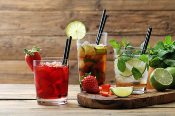 cocktail alcolico con frutta