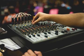 hand tuning sound mixer