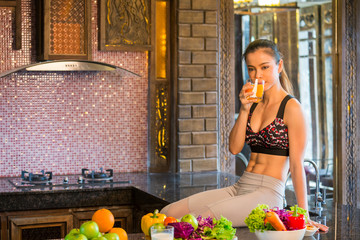 Fitness asia woman with healthy food